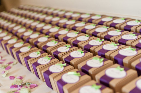 Choosing the perfect wedding favors!