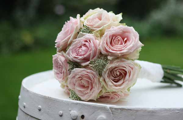 How To Choose Your Bridal Flowers