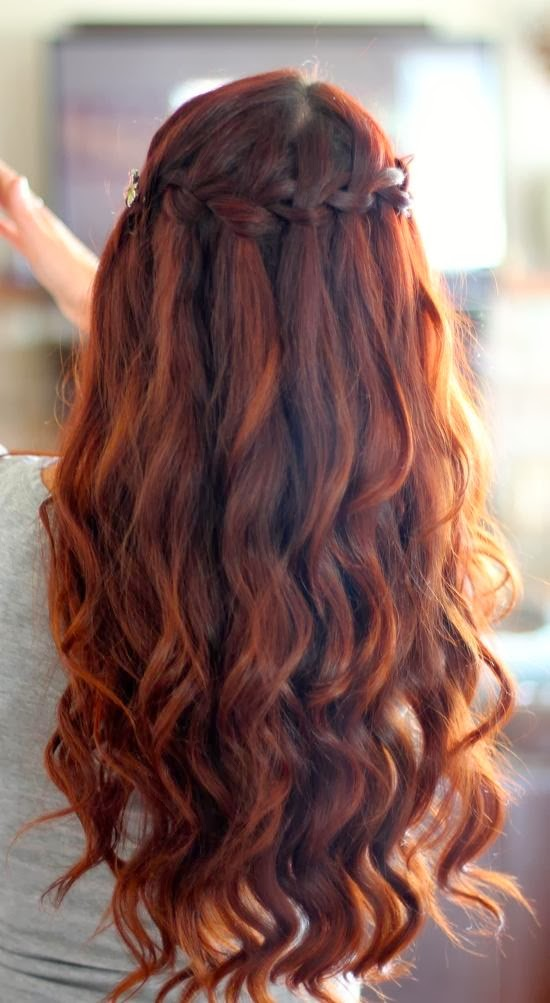 Ancient-Greek-Hairstyles-For-Women-18