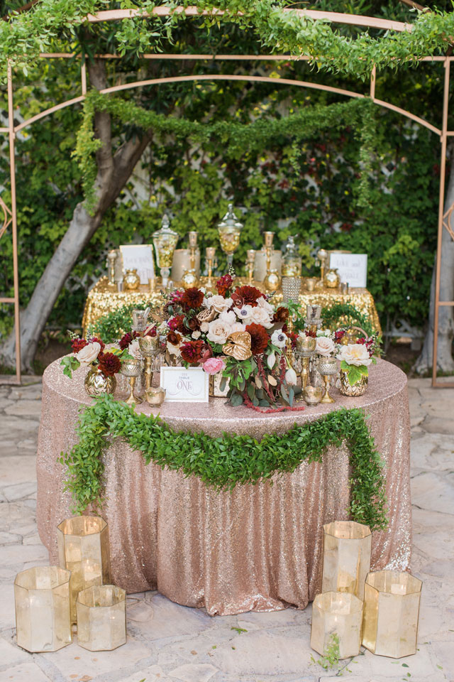 erica-velasco-photographers-whimsical-metallic-wedding-inspiration-10
